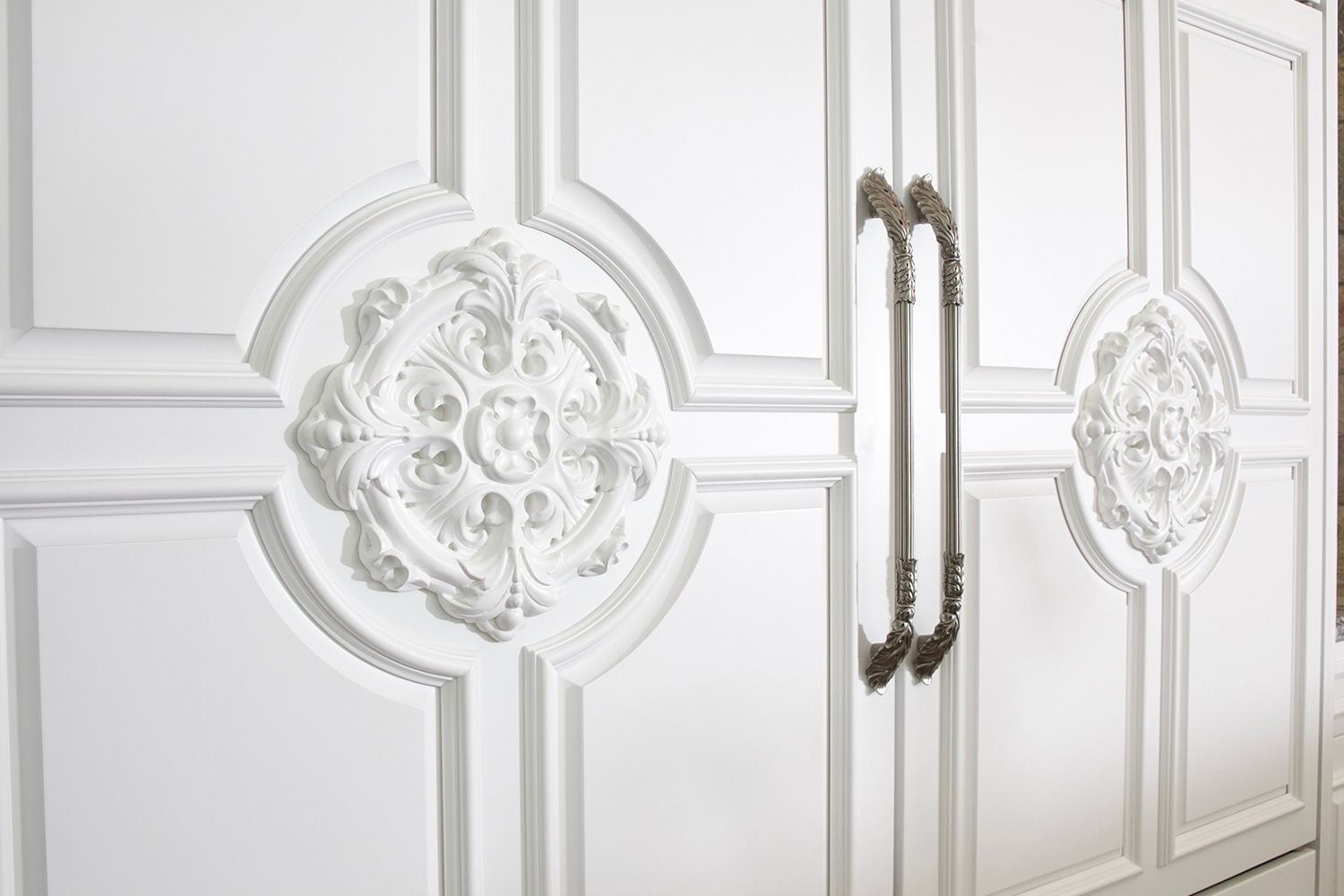 Ornate White Kitchen Rosettes